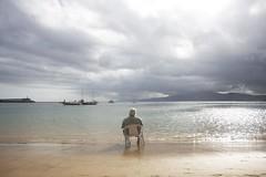 #13 (Roberto Morote) Tags: sky people woman costa beach water relax coast mujer sand chair agua gente playa arena silla reflexion euskadi paisvasco zarautz