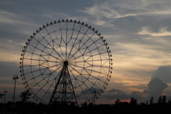 Sunset and ferris wheel (Takashi(aes256)) Tags: park sunset ferriswheel   kasairinkaipark   sigma30mmf14exdchsm canoneos7d
