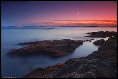 Crescent Moon Over Boston (Justin Smith - Photography) Tags: ocean sunset moon landscape nikond50 bostonma rockybeach justinsmith nahantma nikon1735mmf28