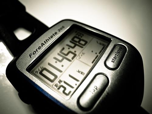 初ハーフ距離 1h45m 21.1km ave5:01 ForeAthlete205