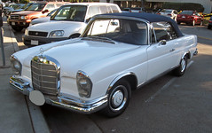 1967 Mercedes 250SE cabriolet front 3q (Ate Up With Motor) Tags: cars mercedes santamonica convertible mercedesbenz 1967 cabriolet w111 250se