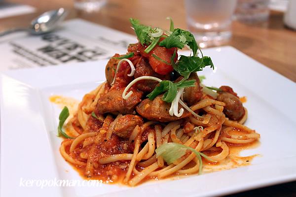 Chunky Sausage & Tomato Linguine