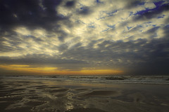 Sunset (Pieter Musterd) Tags: sunset sea holland beach strand canon eos zonsondergang raw nederland thenetherlands zee denhaag 5d thehague kijkduin sgravenhage canoneos5dmarkii pietermusterd hofstijl 5dmarkii flikkah