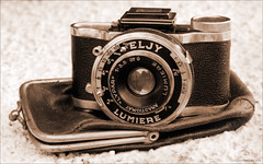 Super-ELJY Lumiere Type 3 -1939- (newmexico51) Tags: camera old france french thirties 1930s antique lumiere 1939 spycamera subminiature eljy justpentax supereljy elgylumiere