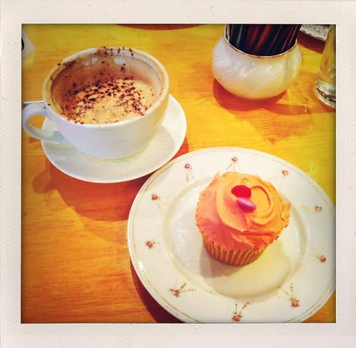 Cappuccino  & Cupcake