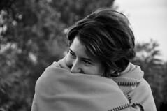 Tere (Matteo Leardini) Tags: white black portraits alba teresa ritratti ritratto biancoenero coperta