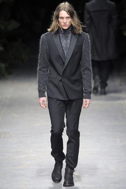 Tomek Szczukiecki3062_FW10_Milan_Costume National(VOGUEcom)