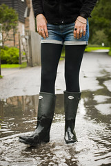 Herts_Walking_26 (jjay69) Tags: uk england woman wet water walking puddle boots shorts splash wellies waders rubberboots hertfordshire hotpants herts cleaningboots