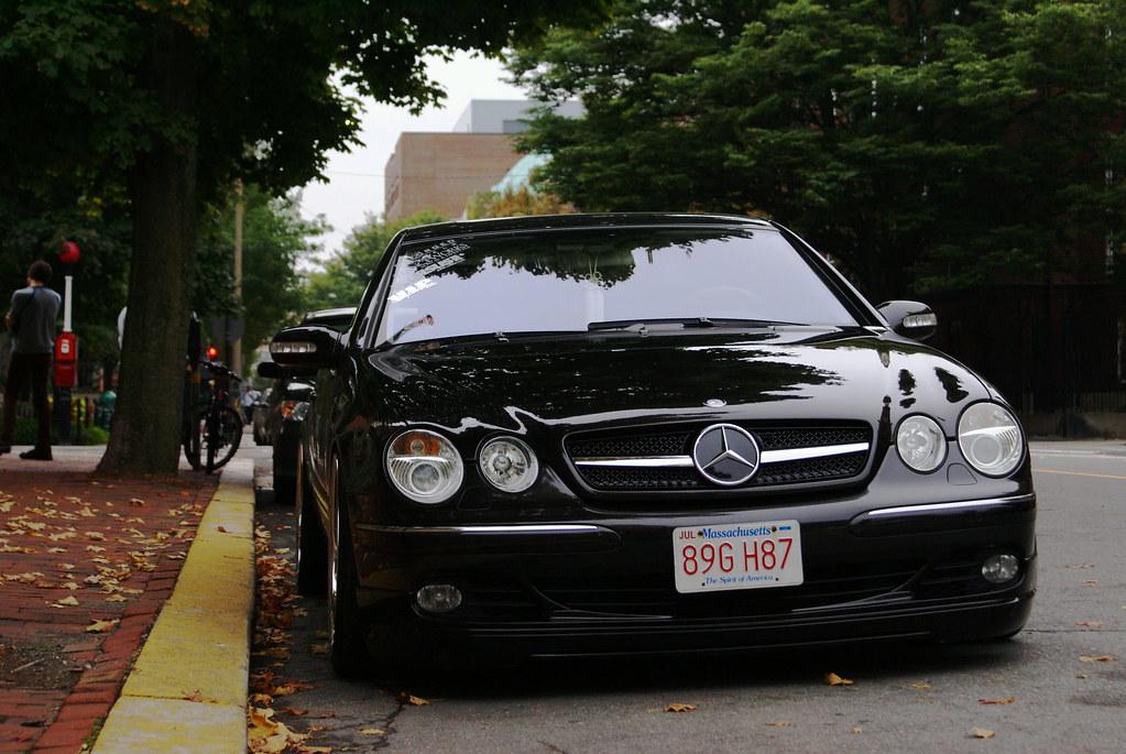 Stanced Mercedes Benz CL500 W215.