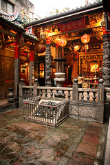 Wanhua District 100 (David OMalley) Tags: urban modern asian temple energy asia market buddha buddhist markets chinese taiwan streetlife buddhism exotic busy temples confucius taipei formosa   ilha  metropolitan exciting dense chaotic bustling energetic  confucianism  china republic zhnghu  mngu