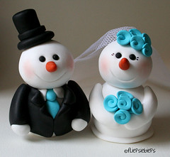 Snowman Wedding Cake Topper (fliepsiebieps_) Tags: christmas winter white snow black cold ice groom bride snowman couple turquoise frosty polymerclay snowmen custom sneeuwpoppen weddingcaketopper taarttopper