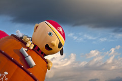 Ahoy Below! (Julie Frances Photography) Tags: newyork nikon pirate hotairballoon ahoy polestar adirondackballoonfestival nikond300 balloonfesitvaladirondacks adirondackballoonfestal2010