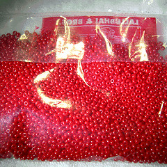 Red seed size 12/0