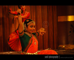 Bharatnatyam (Sanil Photography) Tags: india eye art girl dance nikon kerala saree sari trivandrum bharatnatyam natyam sanil keraladance myfocuz sanilphotography linsaworld