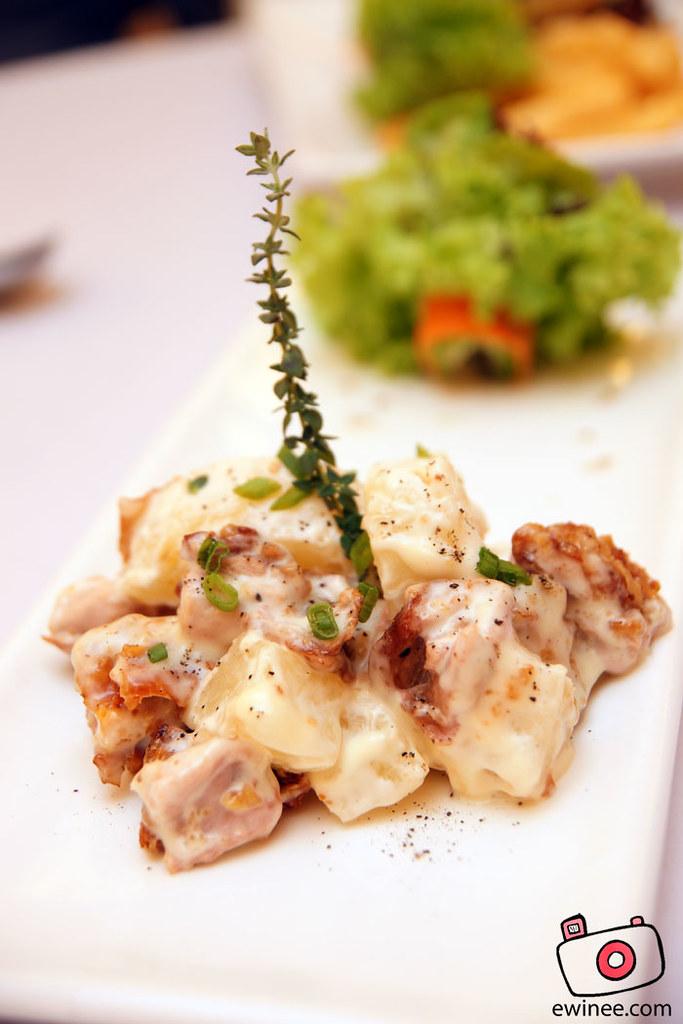 FULLHOUSE-SUNWAY-GIZA-chicken-pineapple-salad