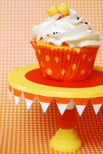 candy corn cupcake stand