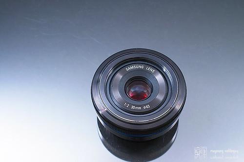 Samsung_NX10_30mm_pancake_02