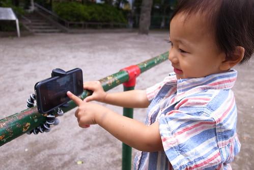 iPhone4を三脚で手すりに その2