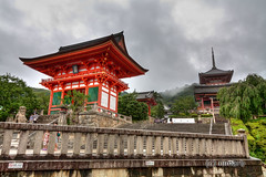 Entrance to the Kiyomizu Temple (nimarb) Tags: wood old sky storm rain japan forest kara temple japanese wooden kyoto no buddha dramatic himmel style buddhism   kyouto heavy blume kansai holz wald  kiyomizu kiyomizudera hdr tempel 2010 tera sturm dera higashiyama hlzern japanisch kyto butai  dramatisch higashiyamaku  nimar  nimarb  tobioriru kiyomizunobutaikaratobioriru