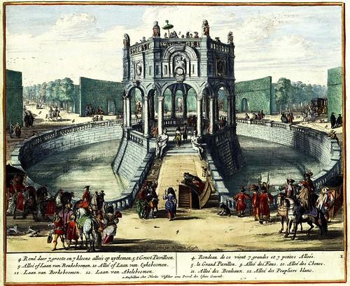 Aangezicht op het grote paviljoen in het centrum van het park