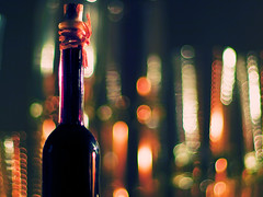 liqueur (~janne) Tags: light 50mm licht bottle dof bokeh f14 olympus flasche glas janne liqueur janusz summiluxr e520 ziob