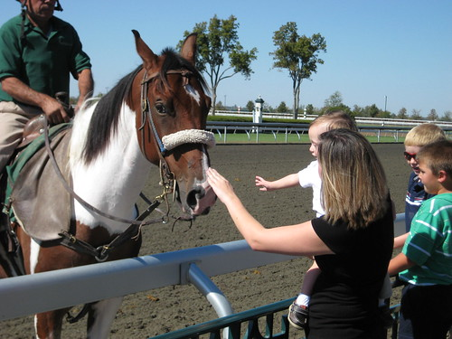 Keeneland: Meeting the horses