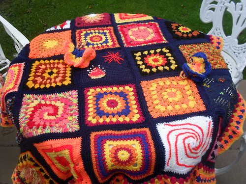 Tablecloth view of the 'Bonfire Blanket'..>