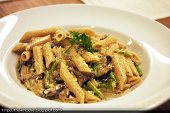 Jolly Frog - Penne Al Funghi (Xin Li 88) Tags: road food dinner singapore main australian neil frog course eat meal gathering dining jolly aussie pagar tanjong