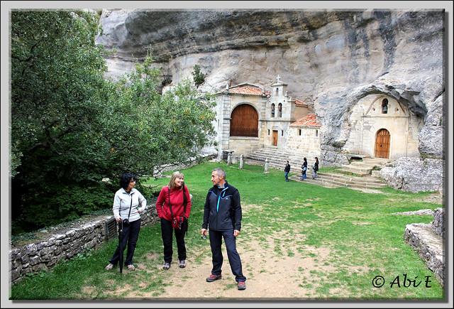 2 Ermita de San Bernabé (Ojo Güareña)
