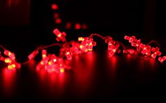 (ainarastorm) Tags: light night luces noche cruz desenfoque contraste cruces oscuridad cruzroja lucesrojas ainarastorm