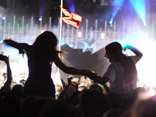 On shoulders // ACL 2010