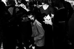 london 30 (SimonSawSunlight) Tags: street leica uk shadow england sun white black london film 35mm photography fuji britain great rangefinder m shade 400 neopan analogue 29 lc ilford m4 nokton voigtlnder 119 f12 ilfotec