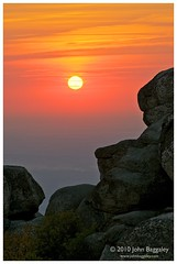 Sunrise atop Old Rag Mountain (John Baggaley) Tags: portrait nature sunrise landscape outdoors virginia landscapes nikon outdoor oldragmountain shenandoahnationalpark d90 afsvrzoomnikkor70300mmf4556gifed photocontesttnc11