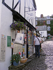 Clovelly (Ian Gedge) Tags: street england harbour devon cobbles clovelly