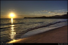 San Carlos Sunset (Demodragon) Tags: sunset sea beach sonora mxico atardecer mar sony playa hdr sancarlos mardecortez dslra200 golfofecalifornia