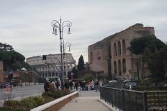 Roma 2010-01-15 013 (Yoshiniski) Tags: rome roma square san piazzadispagna trevi piazza shelley fontana foriimperiali presepe pietro colosseo keats altaredellapatria