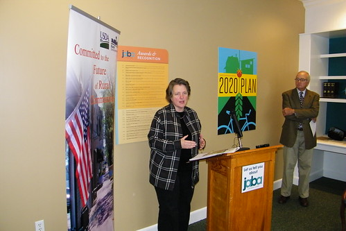 Deputy Secretary Merrigan announces funding for the Farmers Market Promotion Program at an event in Virginia