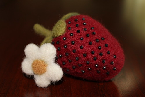 Felt Pin Cushion Strawberry