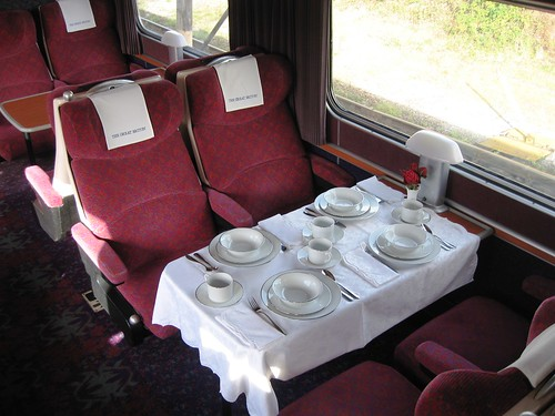 Pullman dining, charter train - breakfast layout