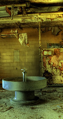 group sink (Jonathon Much) Tags: old urban abandoned bathroom force sink decay air round exploration base hdr afb chanute platinumphoto eurbex
