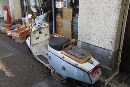 レトロなスクーター