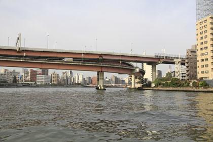 船上から見た隅田川の景色