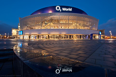 O2 World (Dietrich Bojko Photographie) Tags: city berlin architecture night germany deutschland evening cityscape nacht explore architektur bluehour frontpage o2world dietrichbojko dietrichbojkophotographie