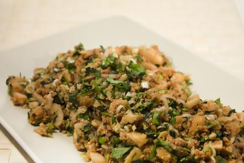Vegan mushroom Thai larb