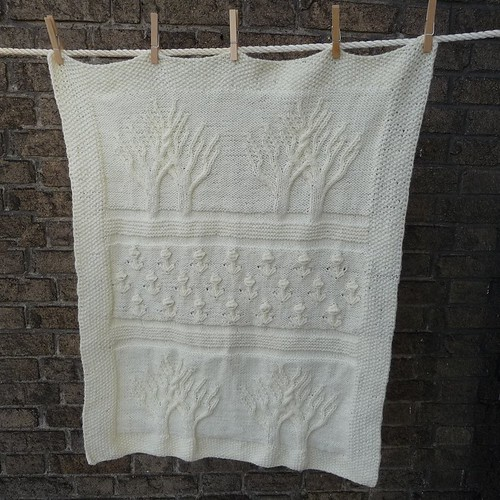 DetroitKnitter's version - Baby Tree of Life Throw