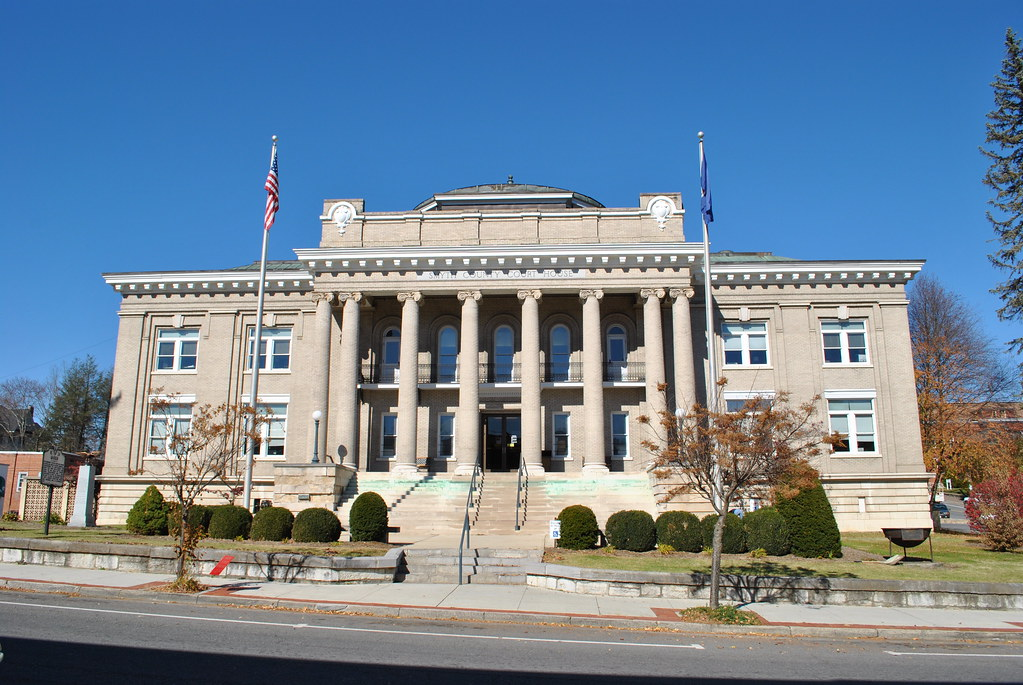 SMYTH COUNTY COURTHOUSE