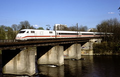 401 020  alte Donaubrücke in Ulm  24.04.01 (w. + h. brutzer) Tags: ice analog train germany deutschland nikon eisenbahn railway trains db ulm 401 eisenbahnen triebzug triebzüge webru