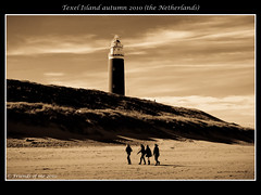 a day walk on the beach watching the lighthouse Texel island (drbob97) Tags: horse carriage beach texel island sea northsea water clouds tone tones mood vlieland nederland drbob drbob97 canon 40d strand zee noordzee waddenzee waddeneiland waddeneilanden booreiland paard en wagen waddensea netherlands lighthouse people walking vuurtoren mensen lopen walk mygearandmesilver mygearandmebronze mygearandmepremium bestcapturesaoi mygearandmegold mygearandmeplatinum mygearandmediamond tripleniceshot