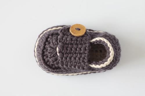 Esquemas de zapatitos de bebé a crochet - Imagui