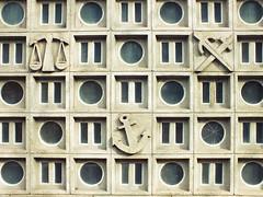 Texture (Lukinator) Tags: texture anker waage libra schwert sword grau grey circle circles kreis kreise kreisförmig simple einfach fujifilm hs20 finepix anchor tetris striche strokes strike